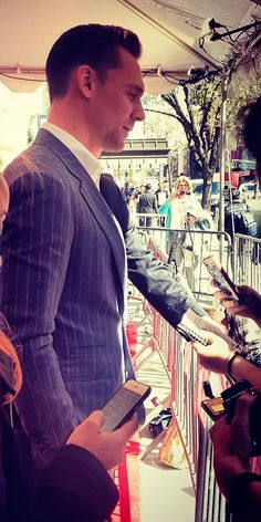 Tom Hiddleston at Tribeca Film Festival for The Night Manager. Source: https://www.instagram.com/p/BEO_5sSjlU7/