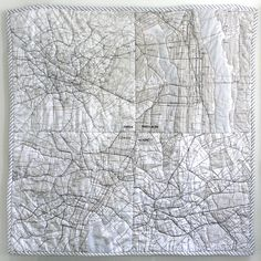 the small object map quilt. featuring london, paris, nyc, and tokyo - made from muji city-map handkerchiefs. Design Textile, Textile Art, Map Quilt, Quilt Art, Sewing Crafts, Sewing Projects, Map Globe, Textiles Techniques, Plans