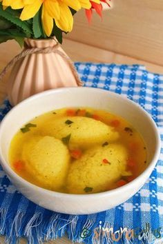 Supa de galuste fine si pufoase Great Recipes, Soup Recipes, Vegan Recipes, Dessert Recipes, Cooking Recipes, Desserts, Romanian Food, Romanian Recipes, Good Food