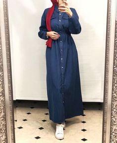 30 Casual Winter Hijabi Outfits To Fall In Love With - Zahrah Rose Modern Hijab Fashion, Abaya Fashion, Muslim Fashion, Modest Fashion, Fashion Outfits, Fashion Muslimah, Fashion Ideas, Fashion Inspiration, Hijab Style Dress
