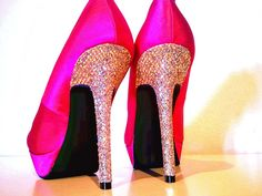Why cant I be short! Hot Heels, Sexy High Heels, Fashion Shoes, Fashion Accessories, Women's Fashion, Sparkle Heels, Awesome Shoes, Kinds Of Shoes, Prom Shoes