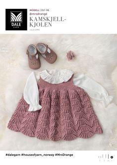 Baby Se her og udskriv din gratis opskrift! Baby Cardigan, Knit Baby Dress, Knitted Baby Clothes, Baby Vest, Baby & Toddler Clothing, Baby Baby, Knitting For Kids, Crochet For Kids, Baby Knitting Patterns