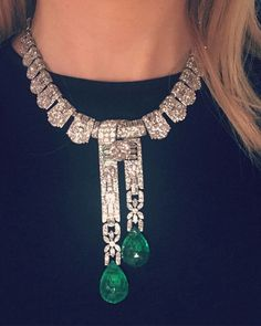 Another potential emerald and diamond necklace runner on the cards check out this Cartier 1930s absolute beauty!! #sothebysjewels