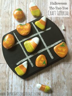 If you're looking for Halloween crafts for kids to make, this Halloween tic-tac-toe game is perfect (and oh so cute!) Halloween games for kids are always a huge hit! | Halloween Crafts diy |
