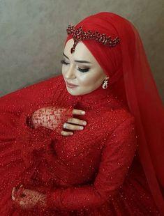 Twiggy, Hijab Gown, Red Frock, Simple Hijab, Muslim Wedding Dresses, Moda Emo, Hijab Bride, Muslim Girls, Moda Masculina