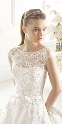 Vestidos y trajes de novia - Wedding dresses and bridal gowns - Collection Used Wedding Dresses, Wedding Dress Sizes, Weding Dresses, Formal Dresses, Bridal Gowns, Wedding Gowns, Pronovias Wedding Dress, Vintage Gowns, Wedding Dress Shopping