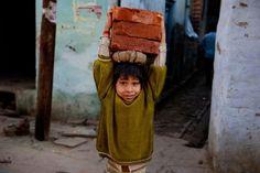 Trabalho infantil na Índia. Fotografia: Steve McCurry.