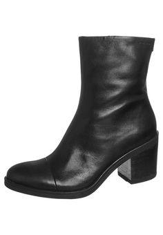 12 Best shoes images   Shoes, Boots, Combat boots