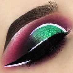 Beautiful @heathervenere ・・・ Lookin like a watermelon over here DETAILS: @juviasplace Masquerade Palette in the shades Zobo (in the crease) and Mali (on the lid)
