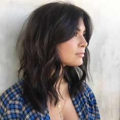 Another mid length with a beautiful check bone grazing fringe. The versatility of this length of fringe is great. Bangs With Medium Hair, Medium Hair Cuts, Medium Hair Styles, Curly Hair Styles, Mid Length Hair With Bangs, Brunette Mid Length Hair, Brunette Bangs, Medium Layered Haircuts, Medium Short Hair