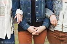 Jean jacket family photos with adult children - Austin, TX The jean material is a common thread (no pun intended!) in their outfit, and it really works to bring it all together, as does the brown! These girls also knew how to accessorize with jewelry and little personal touches.