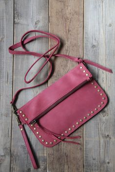 Leather Crossbody Bag, Leather Purses, Leather Bag, Leather Store, Hip Bag, Simple Bags, Leather Projects, Handmade Bags, Purses And Handbags