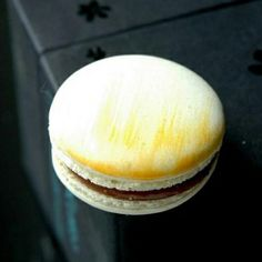 Step-by-step how to make French macaroons with some helpful tips for beginner…