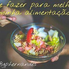 O que eu faço para melhorar minha alimentação? 🍴Essas 4 dicas podem turbinar sua rotina alimentar:💪 1.QUANTIDADE, evitando excessos e consumindo a quantidade calórica recomendada para você. 2.QUALIDADE, suprindo necessidades de proteínas, carboidratos, lipídeos, vitaminas e minerais diariamente. 3.HARMONIA dos nutrientes quer dizer que não devemos comer SOMENTE frutas e verduras por exemplo 🍎🌽, mas distribuir todos os tipos de alimentos no nosso dia para que exista um equilíbrio…