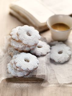 Alessandro Guerani's gorgeous photograph of some Ligurian Canestrelli Cookies/Biscuits .... A recipe for the cookies is here http://www.beautiful-liguria.org/2010/03/canestrelli-flower-cookies.html