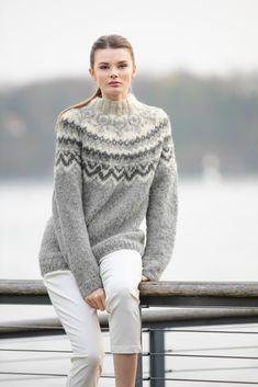 no - anja-genser-fat-faerytale Strikkemekka.no - anja-genser-fat-faerytale Nordic Pullover, Raglan Pullover, Pullover Mode, Nordic Sweater, Mohair Sweater, Sweatshirt, Icelandic Sweaters, Knit Crochet, Crochet Pattern