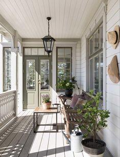 Front Door Colors With Tan House 2018 27 Ideas Prado, Front Door Hardware, Tan House, Veranda Design, Front Porch Design, Modern Farmhouse Decor, Farmhouse Front, Farmhouse Furniture, Farmhouse Style
