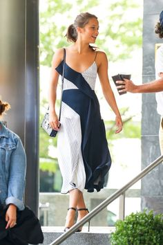 11 times Alicia Vikander stunned this summer: A navy and white dress