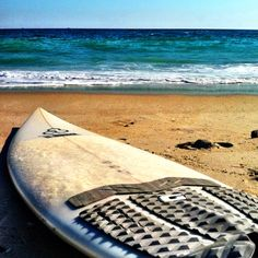 Surf.    It's been way too long... I'm starting to surf in my dreams again...