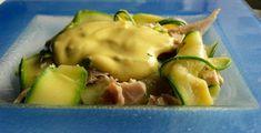 """Salade de poulet aux rubans de courgette, sauce """"light"""" à l'estragon"""