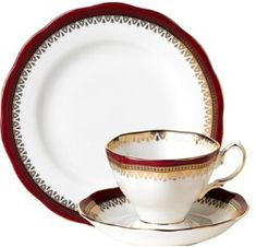 Royal Albert - Teacup & Saucer Trio Set
