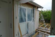 """Huset utvändigt efter utbyggnad av kök och hall/sovrum. """"Från 70-tal till 201x"""" - Hemma hos hybris Windows, Ramen, Window"""