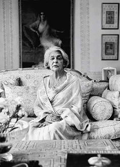 Mh. Gayatri Devi - 1919 - 2009