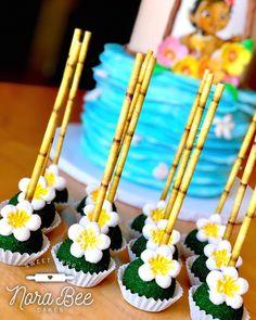 Moana Cake Pops #norabeecakes #moana #moanaparty #moanacakepops #cakepops #cakepopsofinstagram