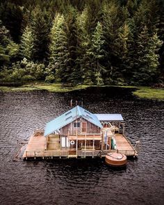 Step-By-Step Boat Plans - . - Master Boat Builder with 31 Years of Experience Finally Releases Archive Of 518 Illustrated, Step-By-Step Boat Plans Cabin Homes, Log Homes, Eco Cabin, Houseboat Living, Floating House, Cabins And Cottages, Log Cabins, Small Cabins, Boat Plans