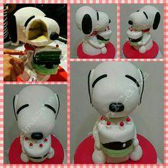 "Snoopy Birthday Cake #ChocolateDevilishCake #OmbreCake #ButterCake #ItalianMeringueButterCream #Snoopy #Peanuts #CharlieBrown #Woodstock #StructureCake #SharonWee #BlackForestCake #NoveltyCake #InstaCake   ""Happy Birthday my dearest Mother Snoopy Biggest Fan!!  #ximiCake #BakedByPriscillia #BakedByPeien  www.Facebook.com/ximiCake"