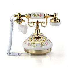 Telephone Retro, Antique Phone, Vintage Phones, Home Phone, Affordable Home Decor, Retro Home, Home Living, Living Room, Vintage Antiques