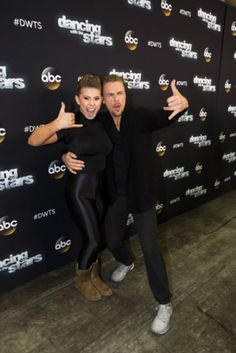 Last night on ABC's Dancing With The Stars 2015 the four remaining celebs battled it out with 2 more dances. The first a dance they previously did and the