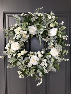 Latest Pic Grapevine Wreath roses Style Possess you've made an autumn wreath nonetheless? White Wreath, Diy Wreath, Grapevine Wreath, Summer Door Wreaths, Holiday Wreaths, Corona Floral, Wedding Wreaths, Belle Photo, White Roses