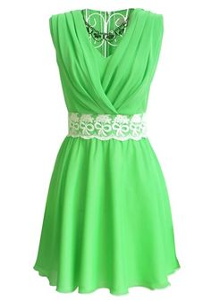 Green Lace Embroidery Pleated V-neck Chiffon Dress