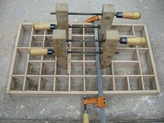 A New England Woodworker shares free woodworking plans, ideas, and tips with amateur woodworkers. Huge resource of wood working plans and services for wood workers. Free wood working plans and free woodworking plans!