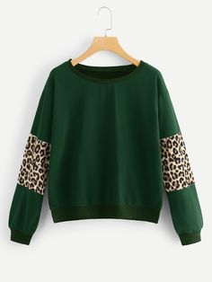 To find out about the Contrast Panel Leopard Sweatshirt at SHEIN, part of our latest Sweatshirts ready to shop online today! Sweatshirts Online, Hoodies, Crew Neck Sweatshirt, Pullover, Fashion News, Fashion Outfits, Techniques Couture, Plus Size Fashion, Dresser