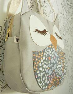Sooooo cute owl bag!!!  OMG, I WANT THIS SO BADLY!! *Cries* Gimmeeeeeeeeee!!!♥