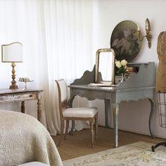 Giannetti Home: Oxnard Love the desk!