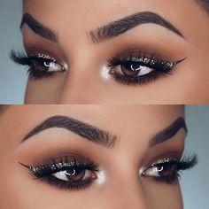 Silver Glitter Eyeliner Makeup Idea for NYE