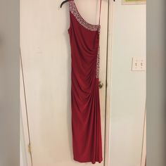BETSY & ADAM Red prom dress Long red prom dress, with leg slit on the left side , in perfect condition size 6P Betsy & Adam Dresses Prom