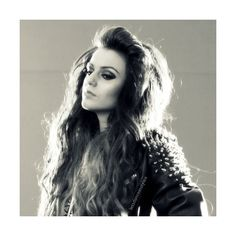 Une image de Cher Lloyd featuring polyvore, cher lloyd, hair, cher, people and pictures