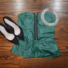 GREEN FAUX LEATHER SWEETHEART PEPLUM TOP BRAND NEW NEVER WORN  NO TRADE  ‼️PRICE FIRM‼️ Love J Tops
