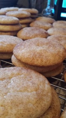These snickerdoodle cookies are so delicious, and they have the best texture. They are so fast to put together too! I actually got it from an old recipe that my Great Grandma had clipped out of a newspaper. Grandma always knows best! Easy Cookie Recipes, Sweet Recipes, Dessert Recipes, Beignets, Soft Snickerdoodle Cookie Recipe, Delicious Desserts, Yummy Food, Snicker Doodle Cookies, Snicker Doodles