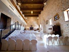 En la antigua iglesia del Convento de Dominicas tenemos una sala para reuniones y convenciones preciosa.