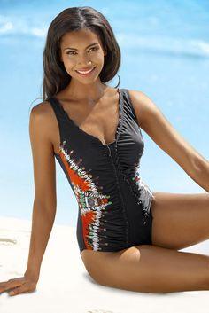 Schwarzer Badeanzug von SUNFLAIR mit seitlichem Druck und hübscher femininer Rüschenkante.