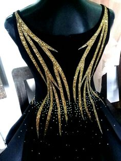 Black and gold dress Stage Outfits, Dance Outfits, Chic Outfits, Fashion Outfits, Salsa Outfit, Long Tight Prom Dresses, Beautiful Dresses, Nice Dresses, Showgirl Costume