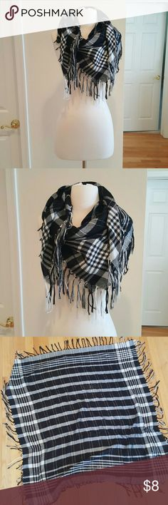 Express fashion scarf 💗Excellent condition Express Accessories Scarves & Wraps