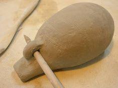 Construcción de una ocarina Slab Pottery, Ceramic Pottery, Earthenware, Stoneware, Slab Roller, Native American Flute, Coil Pots, Plaster Molds, Pinch Pots