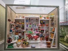 Display from the St Loiuis Dollhouse Museum-picture on THE PERIPATETIC MINIATURIST