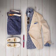 Summer layers and summer prints. #grabergrid  Denim: @bonobos  Belt: @kjp  Linen Blazer: @gantrugger  Indigo Shirt: @jcrewmens  Shades: @colehaan  Pocket Square: @jcrew  Watch: @timex  Shoes: @vans